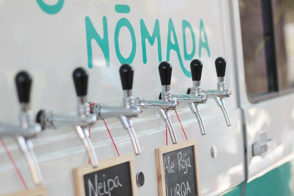 Los 8 grifos de nuestra tap truck con variedad de cerveza artesana